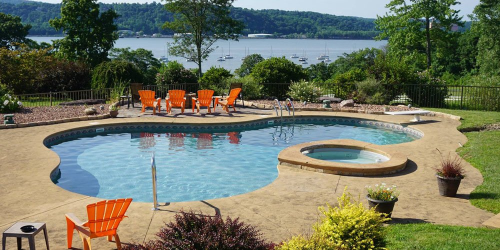 Swimming Pool and Spa in the Hudson Valley